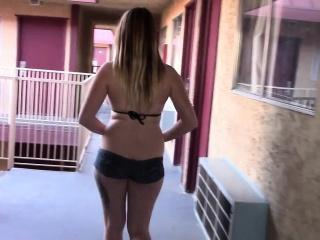 goddess lowrise pants display cunt at resort