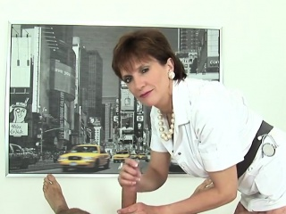 cheating british mature lady sonia presents her gigantic boo