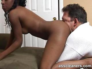 Horny ebony mistress got her ass hole cleaned by tongue
