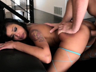 skin diamond loves getting her face filled with cum