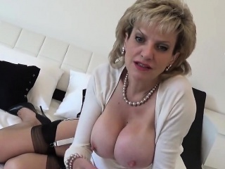 unfaithful british mature lady sonia reveals her gigantic me