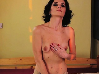 mature mama with small breasts and cary from 1fuckdatecom