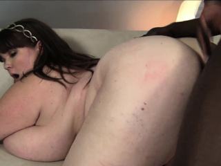 huge breasted plumper lexxxi luxe has a black bull drilling her pussy