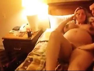 Секс фото девушек в чулках и юбках