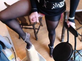 cd with hot feet cant stop jerking on it