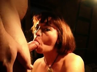 short haired dame supplies a heavy mouth-fuck on her bf