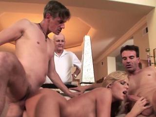 Секс групповой русский домашний бесплатный