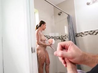 Порно фото выделений при месячных через одежду