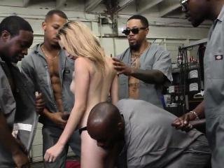 Видео группового секса на работе