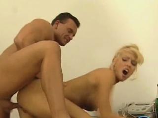 Лижут русский женщина смотреть порно