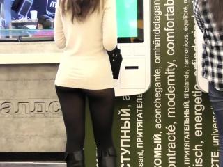 Порно онлайн подглядывание под юбку