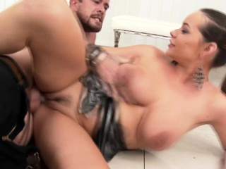 rachele loves to drink piss and cum
