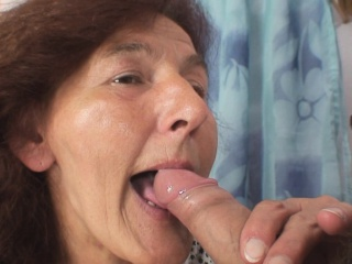 Подборка женских струйный оргазмов с дилдо