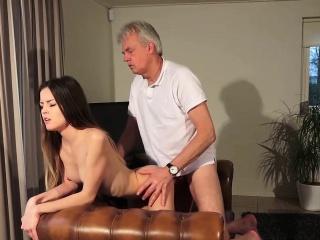 Секс за деньги русских замужних девушек