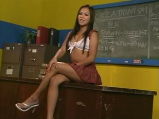 Porno Video of Sabrine Maui Blows The Classroom