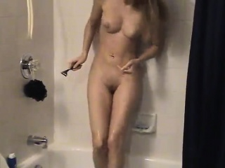alena shaving her nice pussy
