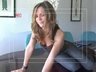 Porno Video of Crystal Klein Fingering