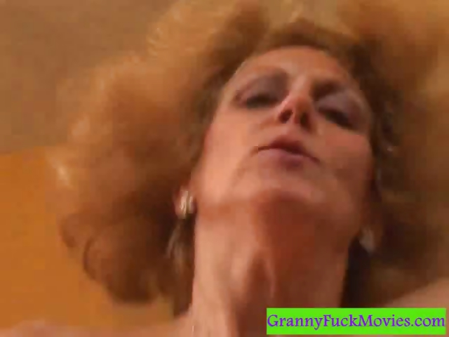 Porn Tube of Granny Is An Experienced Cock Sucker