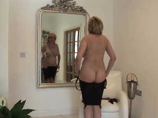 adulterous british milf lady sonia reveals her massive jugs