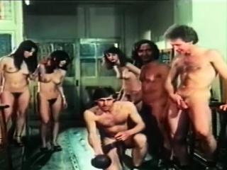 Горловой заглот до яиц большого члена смотреть порно