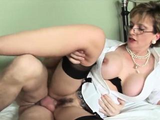 unfaithful british milf gill ellis flaunts her gigantic boob