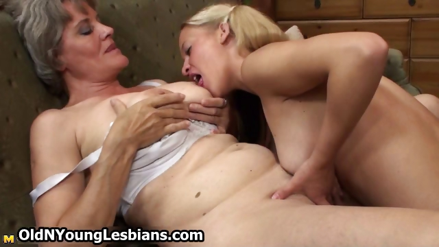 Porno Video of Horny Mature Wife Gets Her Old Grey Part2