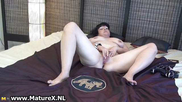 Porn Tube of Mature Lady Spreads Her Shaved Pussy Part5