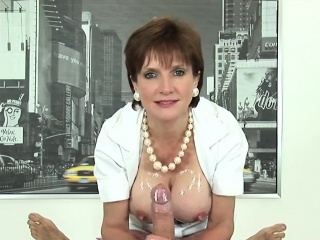 adulterous english mature lady sonia presents her heavy boob