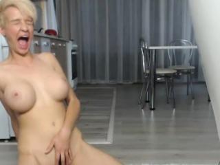 lustful big tits camgirl masturbates for your enjoyment