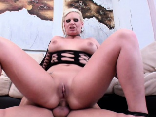 blonde phoenix marie shows off her gaping hole