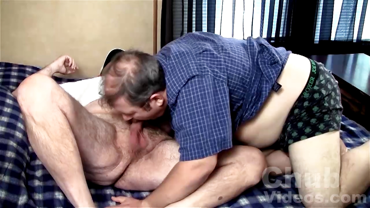 Porno Video of Taking A Big Daddy Bears Load