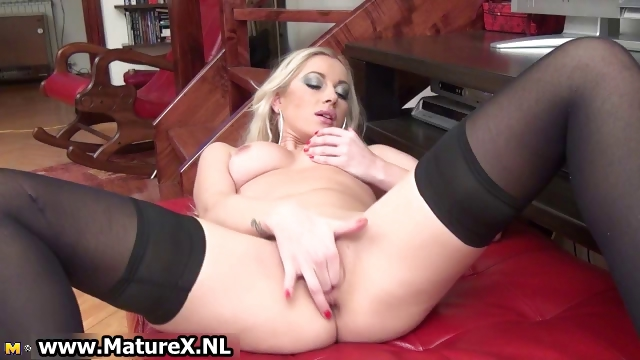 Porno Video of Blonde Lovely Mature Lady In Sexy Part3