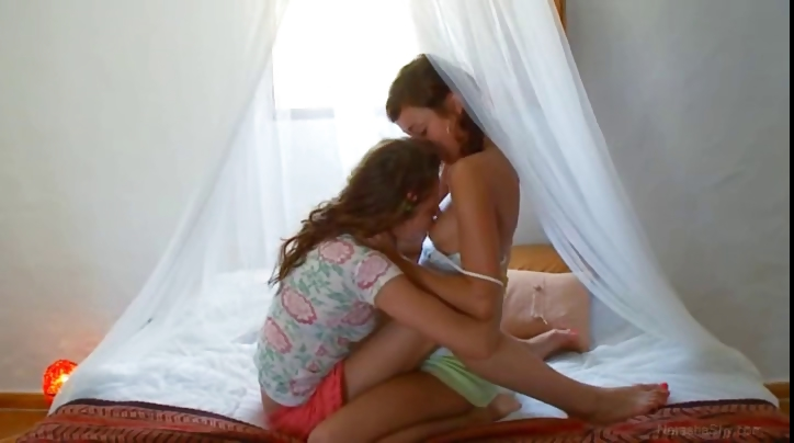 Porno Video of Insane Russian Lesbo Hole Eating