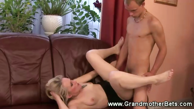 Porno Video of Horny Granny Enjoys A Pussy Slamming