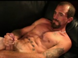 mature amateur ponce joe jacks off