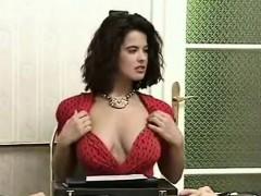 Colette Choisez se fait baisez chez le comptable de son mari