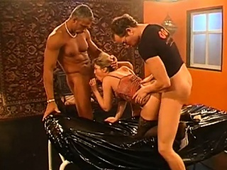 playgirl gets her muff drilled with hard toy fucking