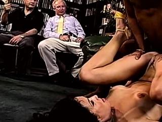 Порно видео трахнул жену отца за спиной