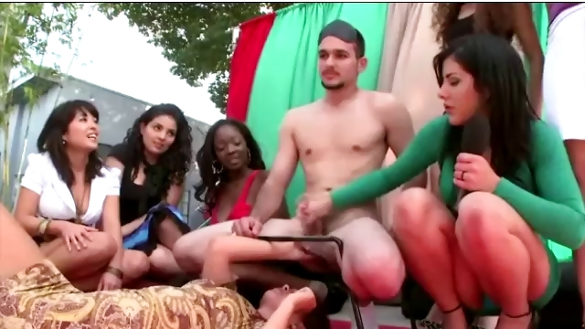 Porn Tube of Amateur Chicks Playing Cfnm Games With A Naked Guy