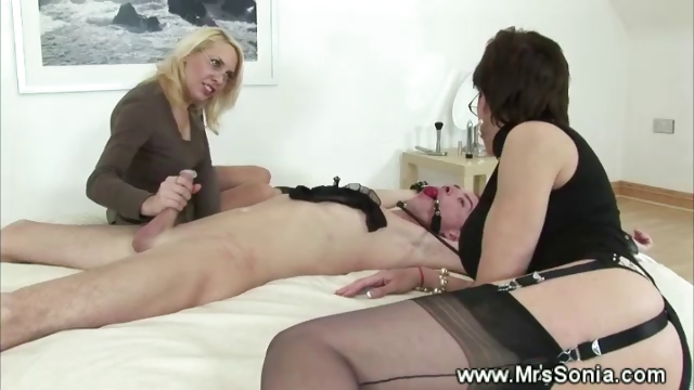 Porno Video of Dominas Queening Their Sexslave