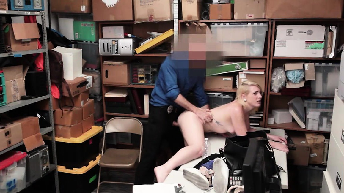 Thief Fallon Love Gets Her Pussy Beaten By Officer Lp