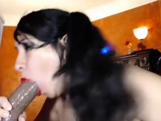 super milf puts on a solo show with toys