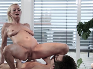 tiny comes to conny dachs to seek the pleasure she