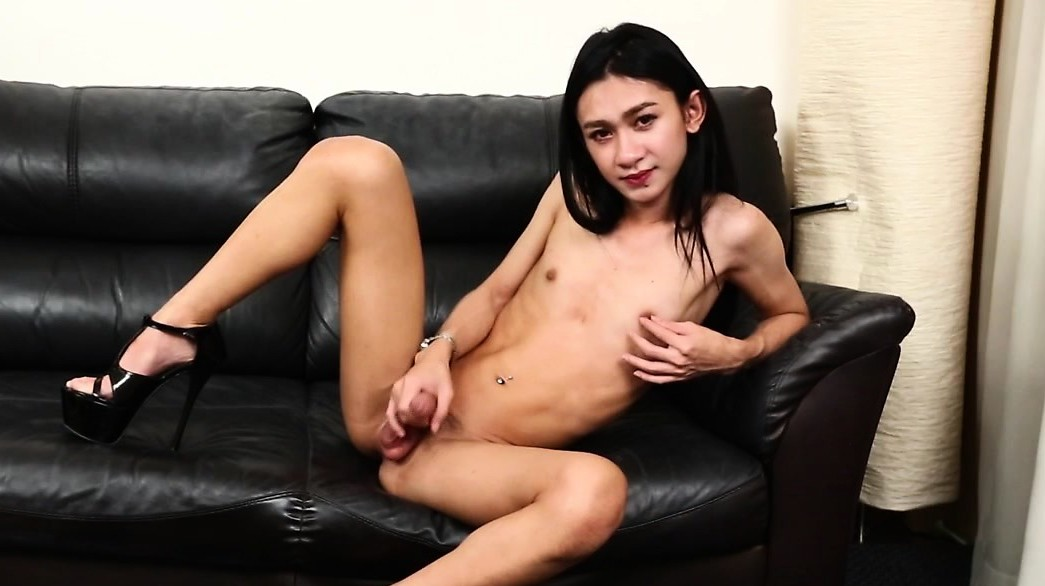 Flaco Smalltitted Ladyboy Beauty Masturba Solo