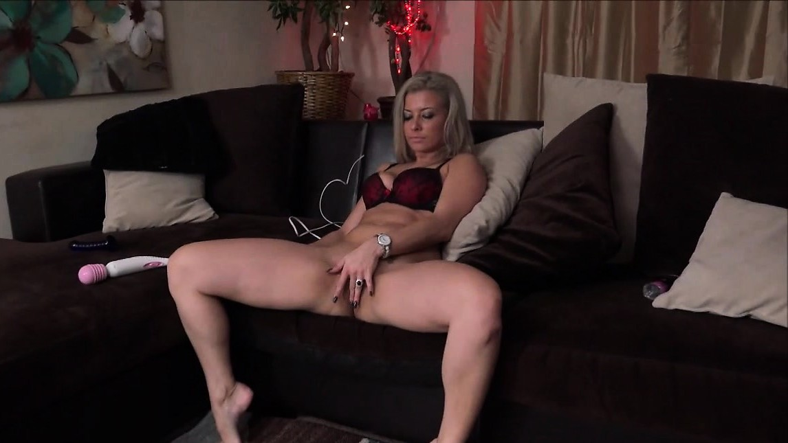 Alana Luv Masturbating Her Pussy With A Dildo
