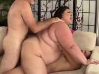 Double penetration for fatty Bella Bendz   Porn-Update.com