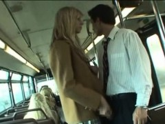 Coed Gives a Handjob in School Bus!