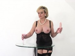 Unfaithful uk mature lady sonia presents her massive natural
