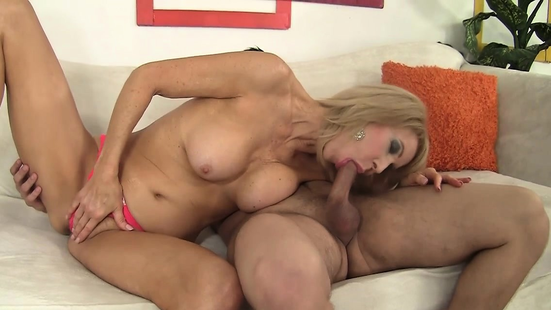 Erica Lauren Mature And Horny Blows And Fucks A Young Guy