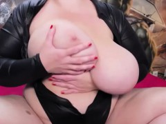 Tasty Huge Boobs Curvy In Solo Action